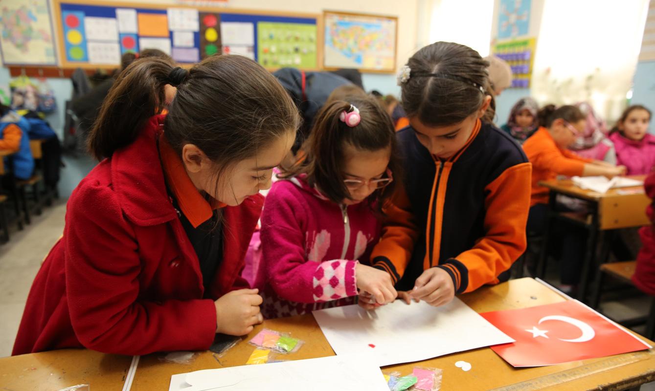 Suriyeli Çocuklar Yalnız Değil